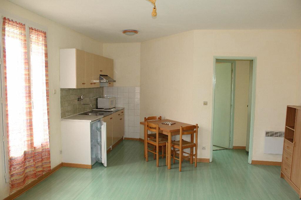 Location Appartement 1 pièce à Béziers - vignette-1