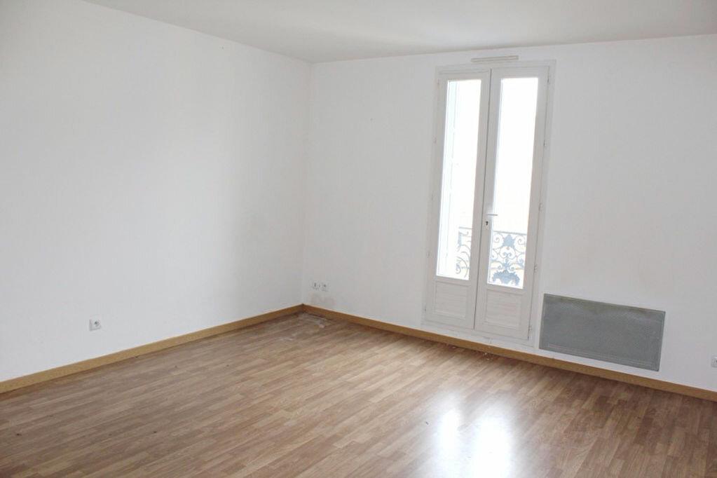 Location Appartement 2 pièces à Béziers - vignette-1