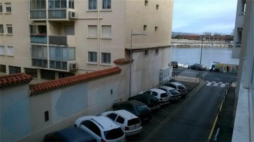 Achat Appartement 1 pièce à Sète - vignette-1