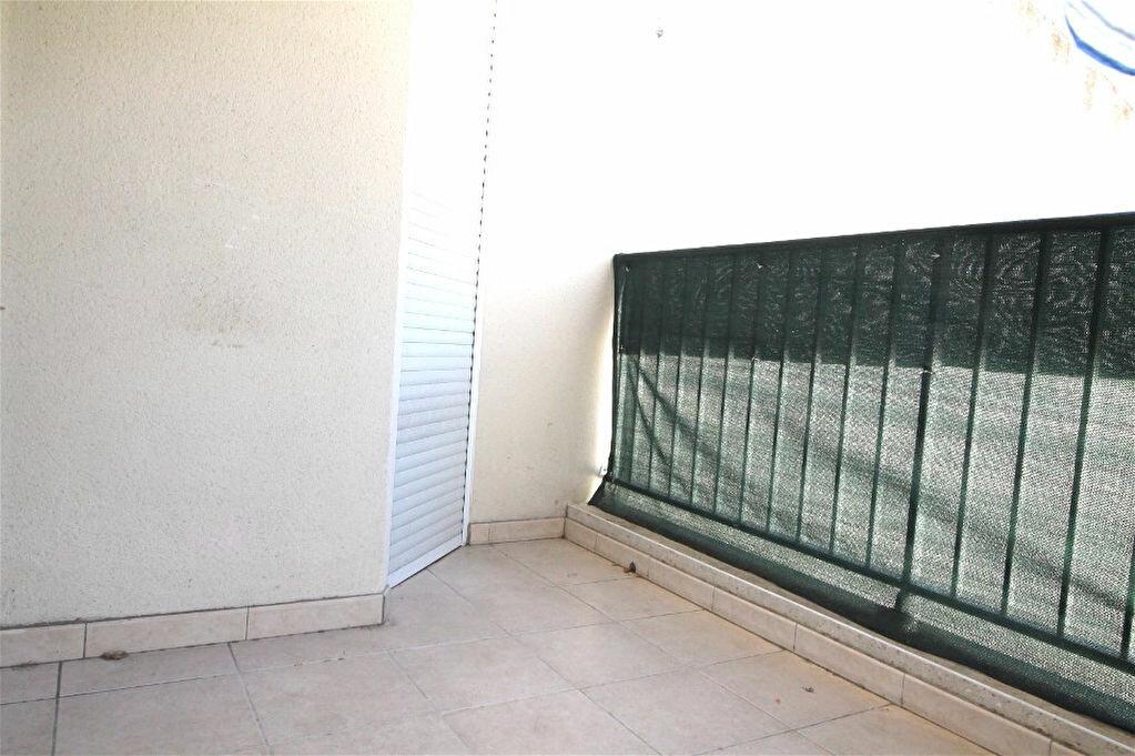 Location Appartement 2 pièces à Gigean - vignette-3