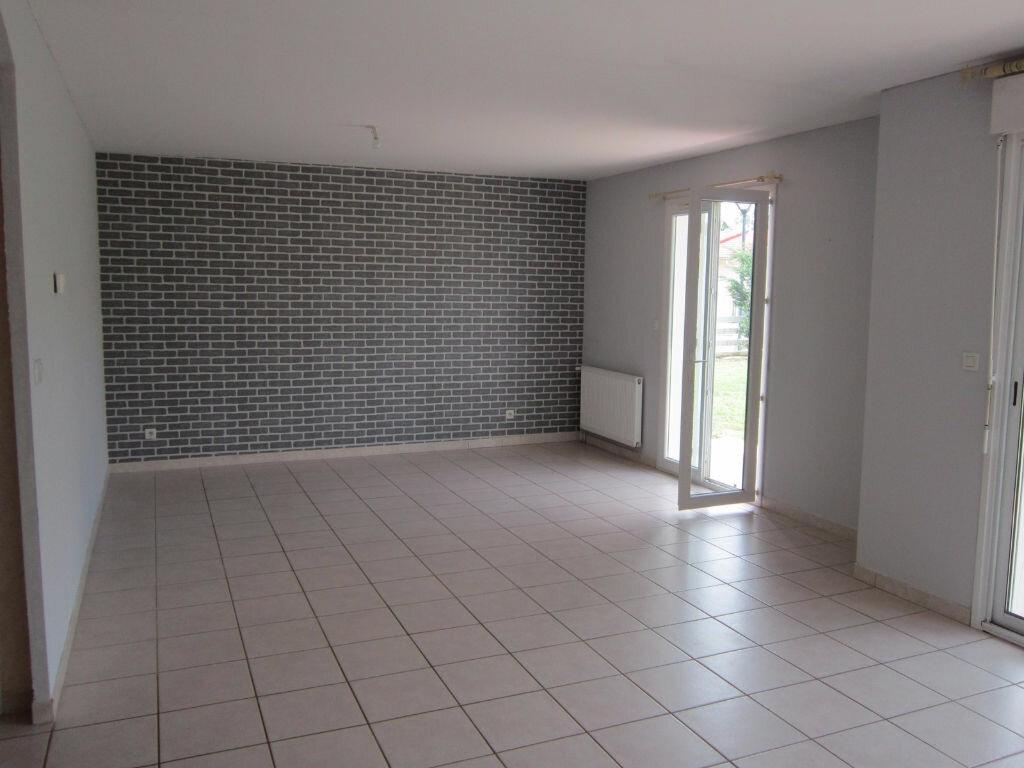 Location Maison 5 pièces à Cazères-sur-l'Adour - vignette-3
