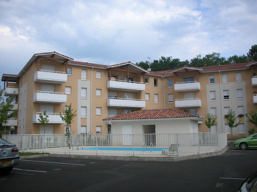 Achat Appartement 2 pièces à Saint-Pierre-du-Mont - vignette-1