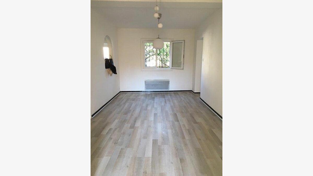 Location Appartement 3 pièces à Six-Fours-les-Plages - vignette-1