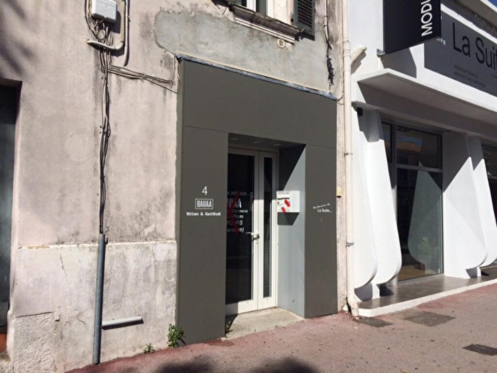 Location Local commercial  à Ollioules - vignette-1