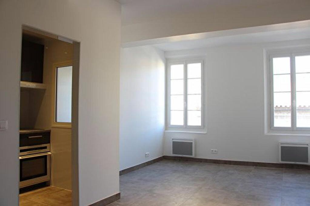 Achat Appartement 3 pièces à Ollioules - vignette-2