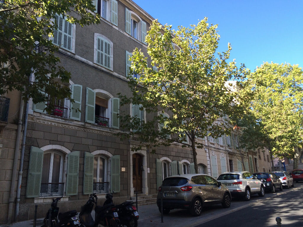Location Appartement 2 pièces à Ollioules - vignette-1