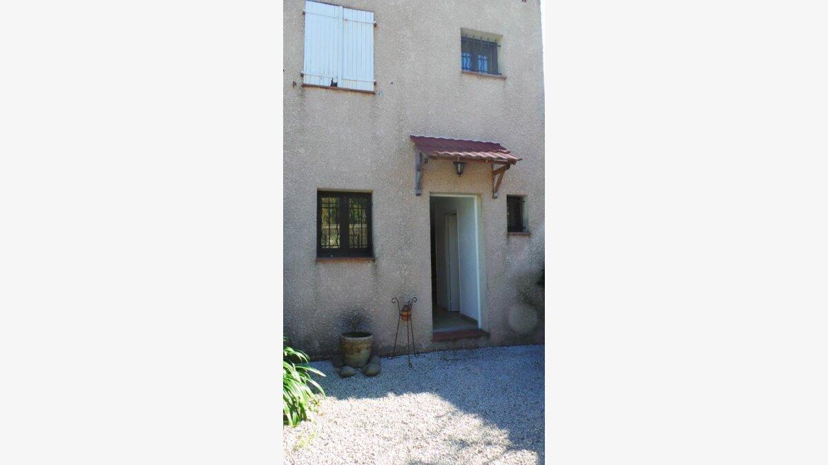 Location Maison 4 pièces à Six-Fours-les-Plages - vignette-1