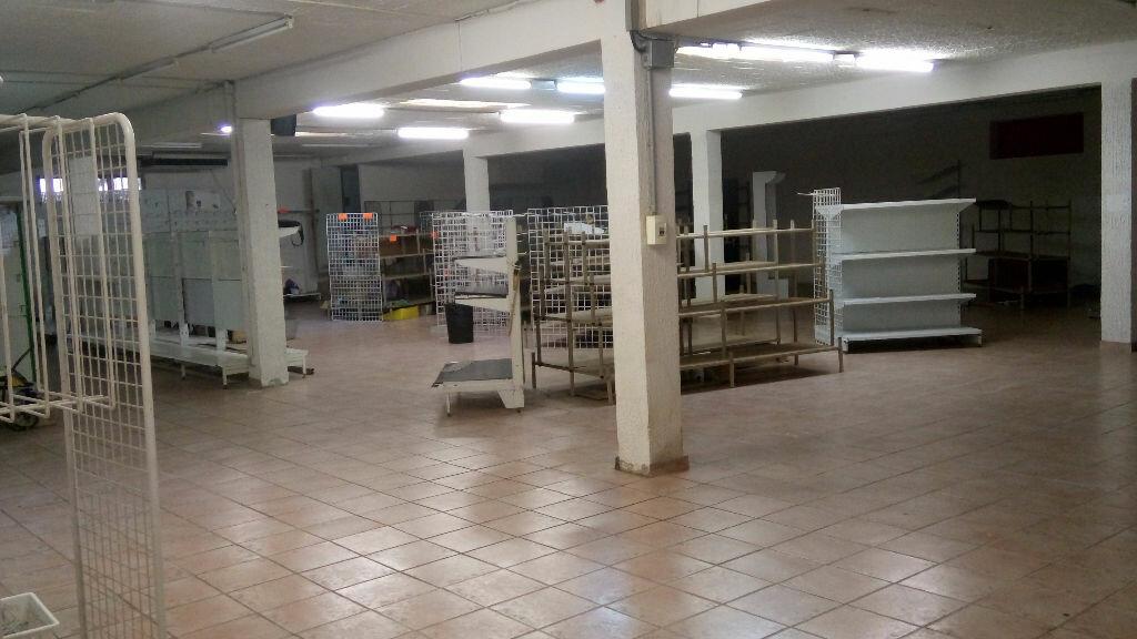 Location Local commercial  à Toulon - vignette-1