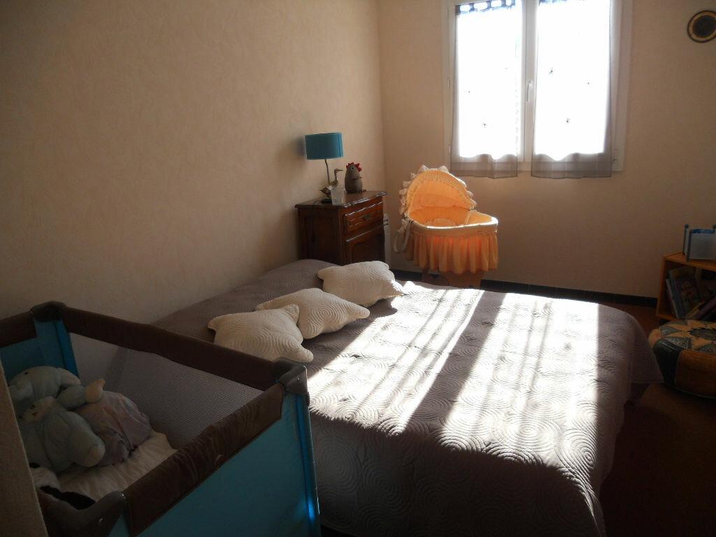 Achat Appartement 4 pièces à Le Revest-les-Eaux - vignette-7