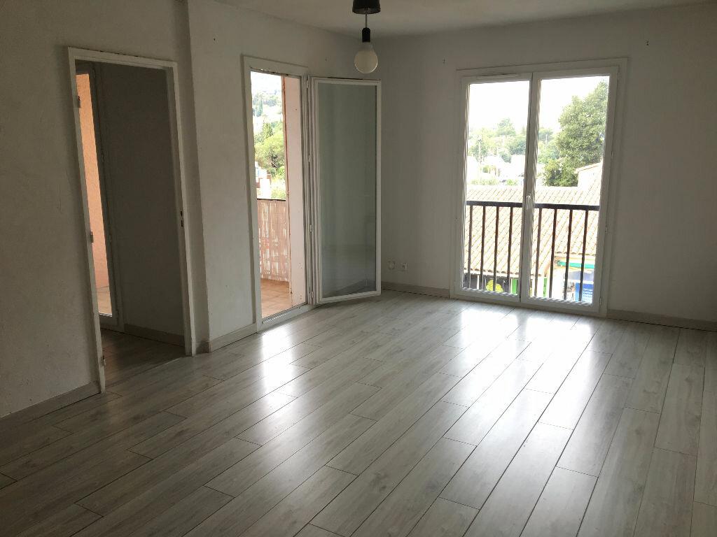Achat Appartement 4 pièces à Le Revest-les-Eaux - vignette-1