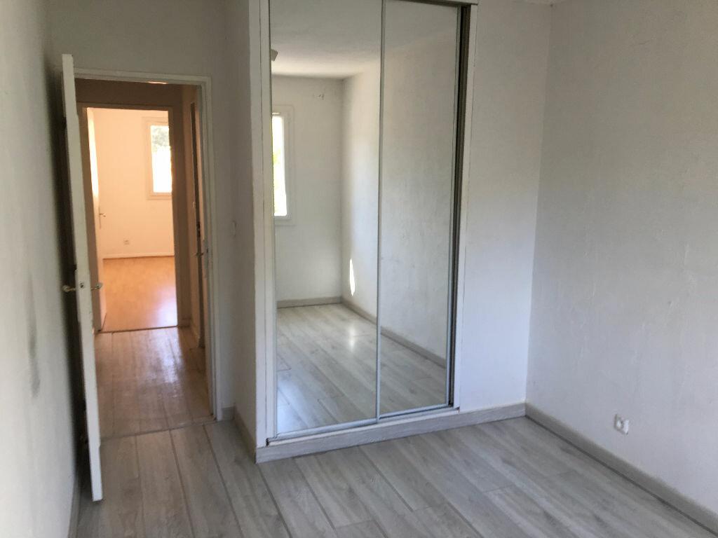 Achat Appartement 4 pièces à Le Revest-les-Eaux - vignette-4