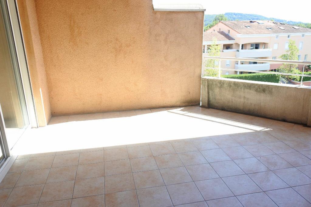 Location Appartement 3 pièces à Mouans-Sartoux - vignette-1