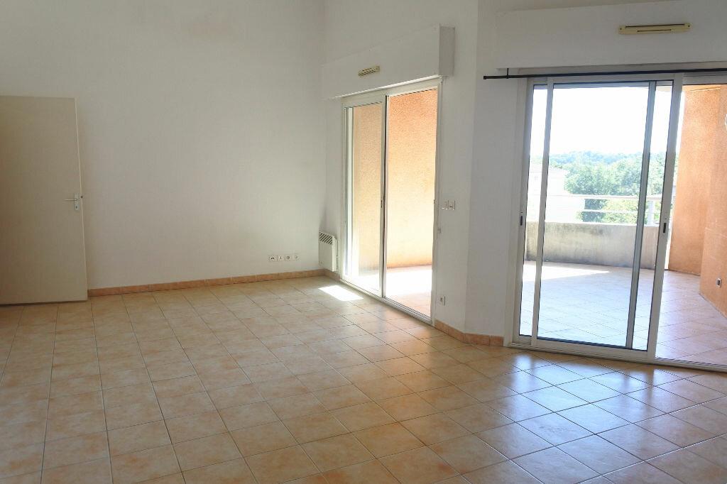 Location Appartement 3 pièces à Mouans-Sartoux - vignette-4