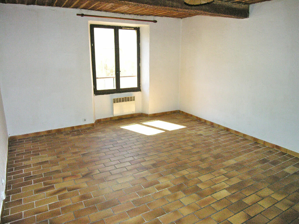 Location Appartement 1 pièce à Mouans-Sartoux - vignette-1