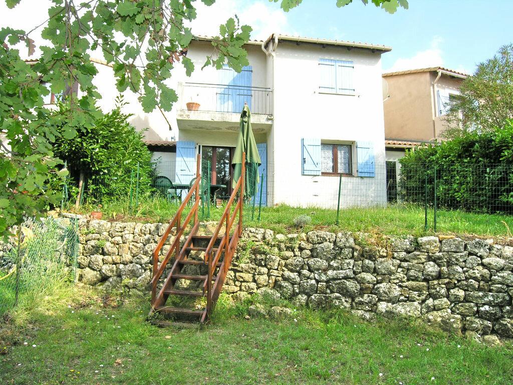 Location Maison 4 pièces à Mouans-Sartoux - vignette-1