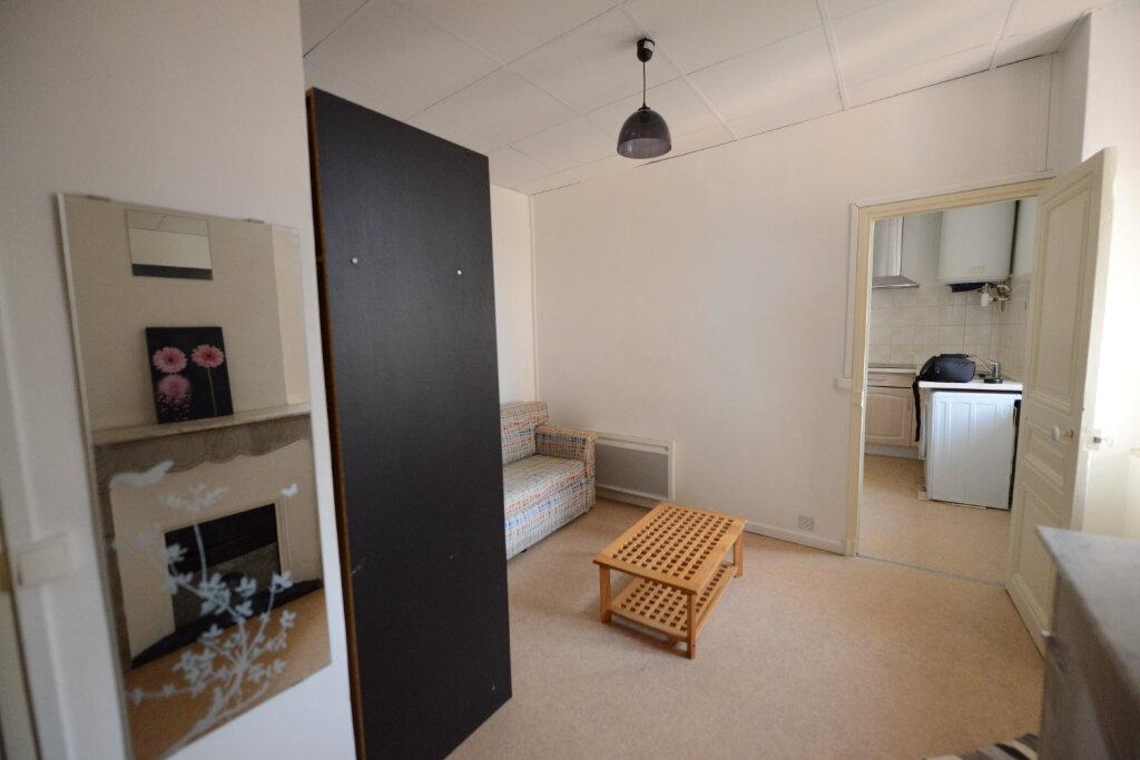 Location Appartement 1 pièce à Grasse - vignette-2