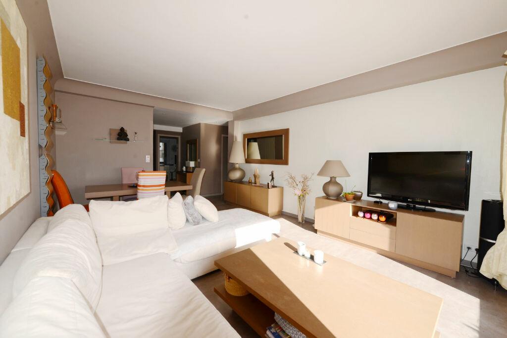 Achat Appartement 4 pièces à Grasse - vignette-2