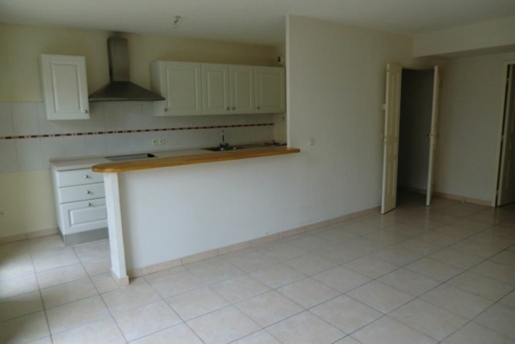 Location Appartement 3 pièces à Cagnes-sur-Mer - vignette-4