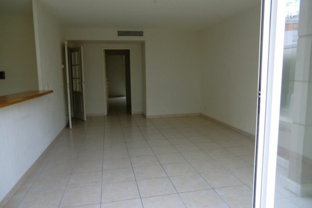 Location Appartement 3 pièces à Cagnes-sur-Mer - vignette-5