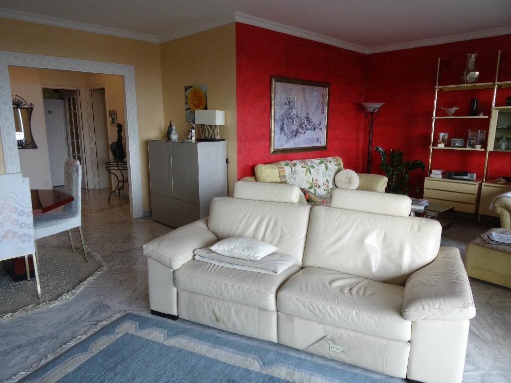 Achat Appartement 5 pièces à Cagnes-sur-Mer - vignette-2
