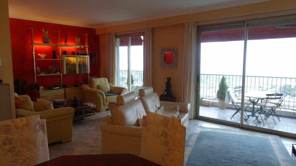Achat Appartement 5 pièces à Cagnes-sur-Mer - vignette-3