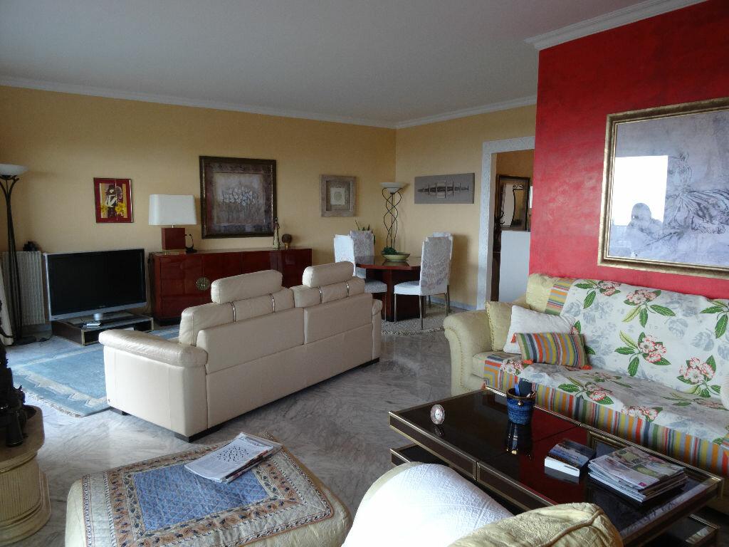 Achat Appartement 5 pièces à Cagnes-sur-Mer - vignette-4