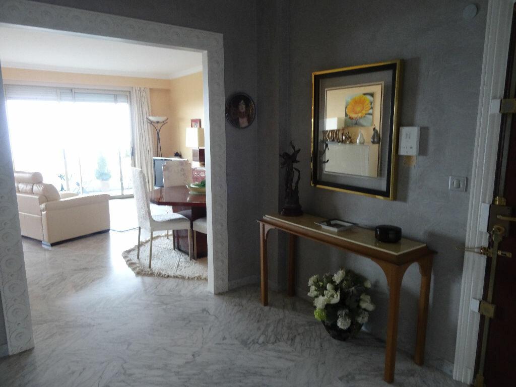 Achat Appartement 5 pièces à Cagnes-sur-Mer - vignette-7