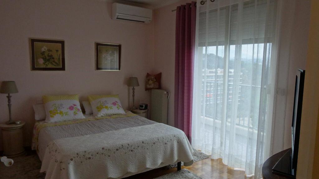 Achat Appartement 5 pièces à Cagnes-sur-Mer - vignette-9