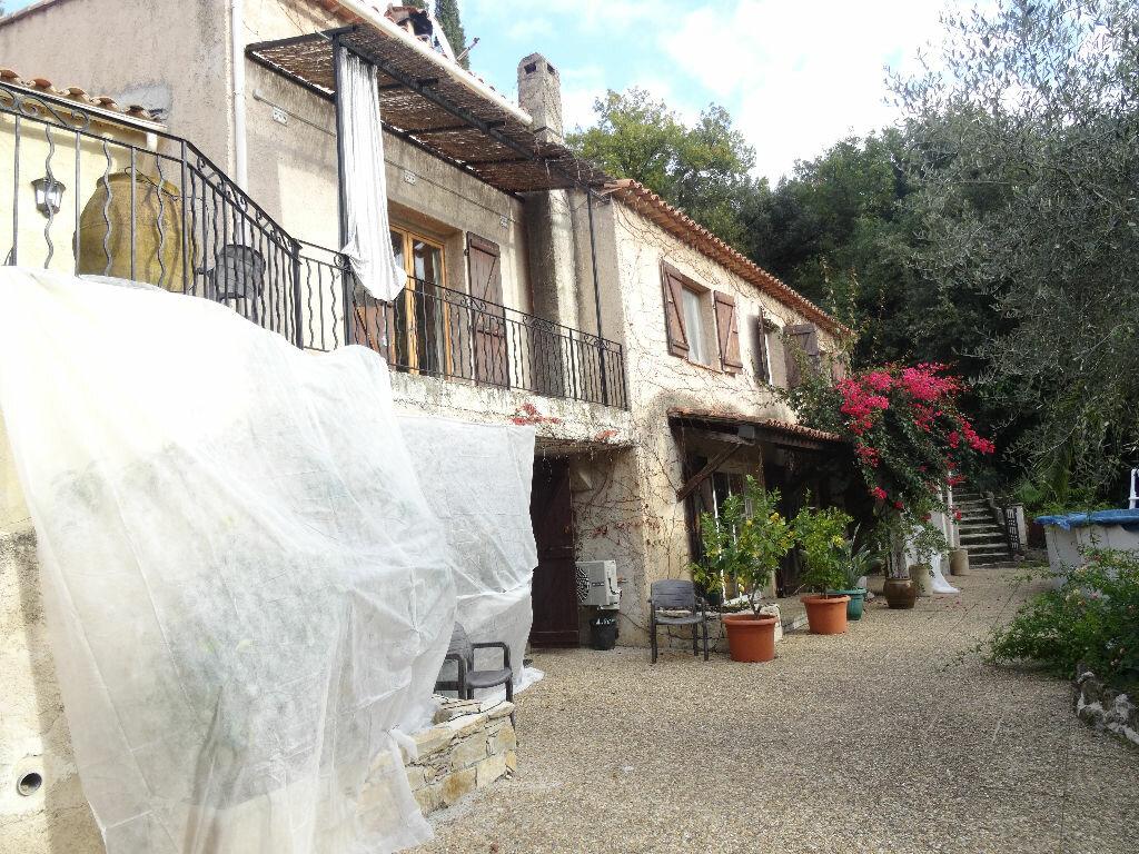 Achat Maison 8 pièces à Cagnes-sur-Mer - vignette-1