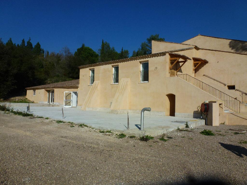 Location Maison 7 pièces à Villeneuve-Loubet - vignette-1