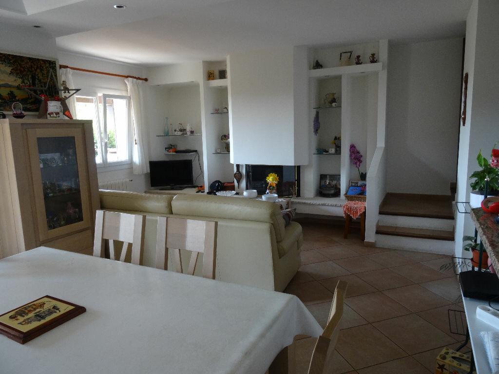 Achat Maison 4 pièces à Cagnes-sur-Mer - vignette-5
