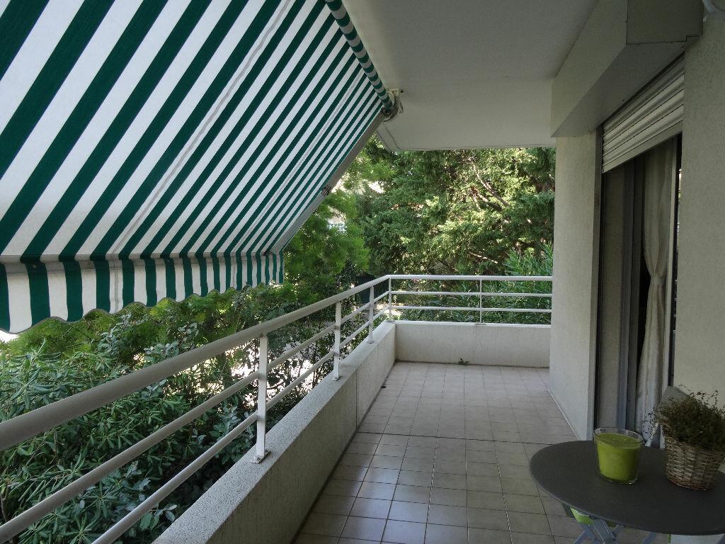 Achat Appartement 2 pièces à Sainte-Rose - vignette-1