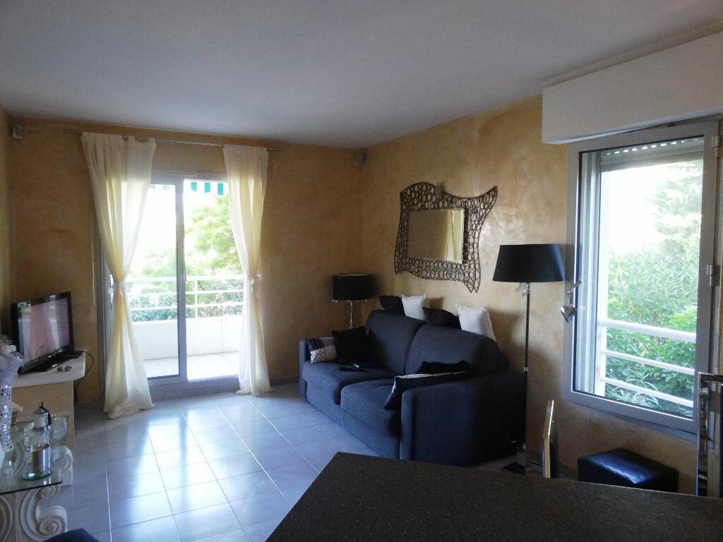 Achat Appartement 2 pièces à Sainte-Rose - vignette-3