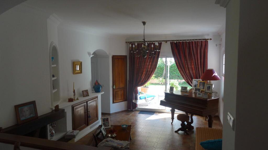 Achat Maison 6 pièces à Cagnes-sur-Mer - vignette-3
