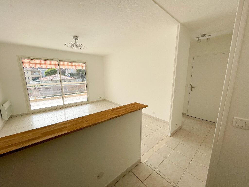 Location Appartement 2 pièces à Cagnes-sur-Mer - vignette-3