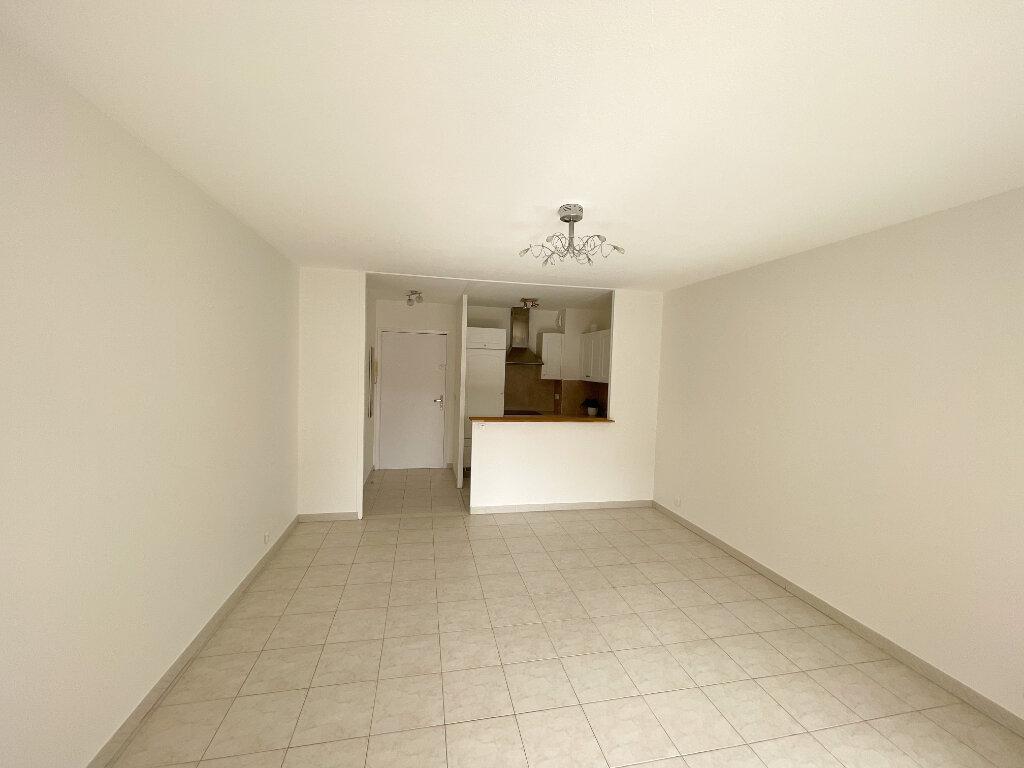 Location Appartement 2 pièces à Cagnes-sur-Mer - vignette-4