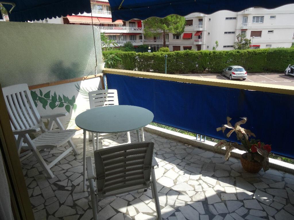 Achat Appartement 2 pièces à Cagnes-sur-Mer - vignette-2