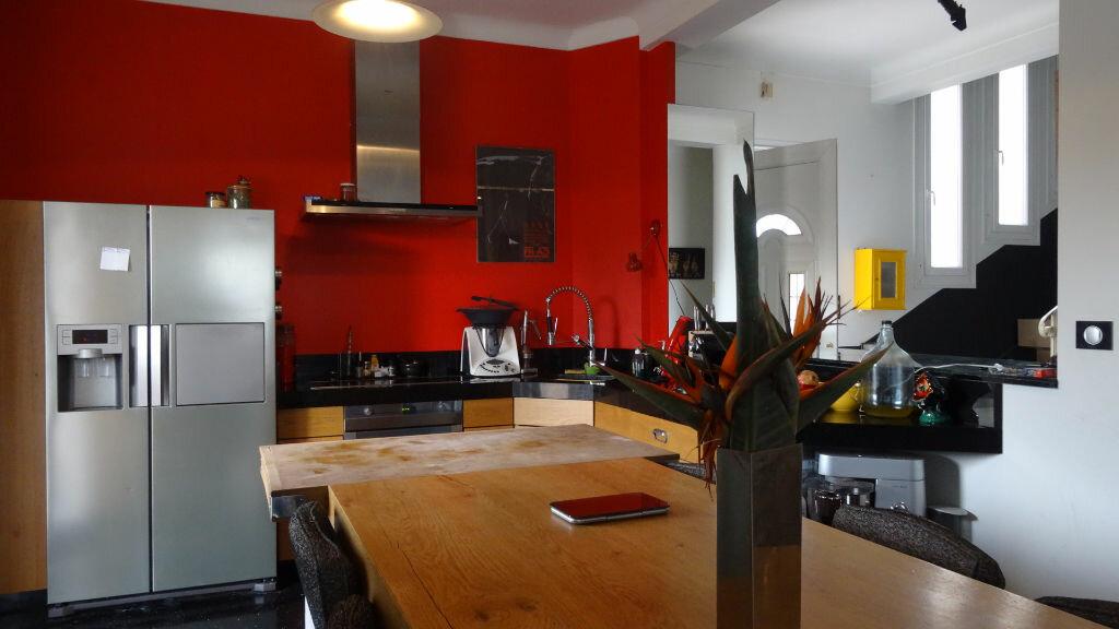 Achat Maison 4 pièces à Saint-Laurent-du-Var - vignette-4