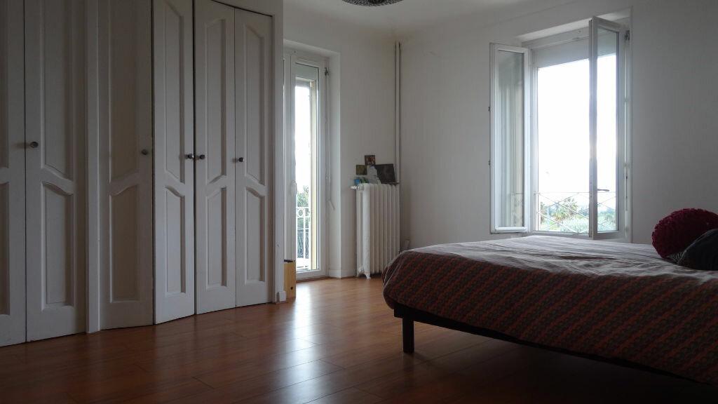 Achat Maison 4 pièces à Saint-Laurent-du-Var - vignette-5