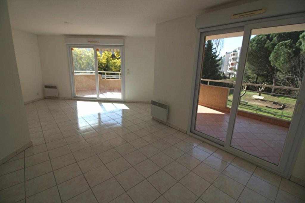 Achat Appartement 3 pièces à Fréjus - vignette-3