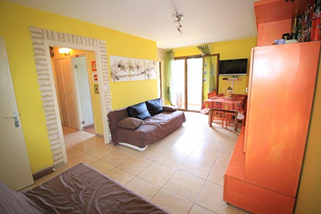 Achat Appartement 1 pièce à Fréjus - vignette-2