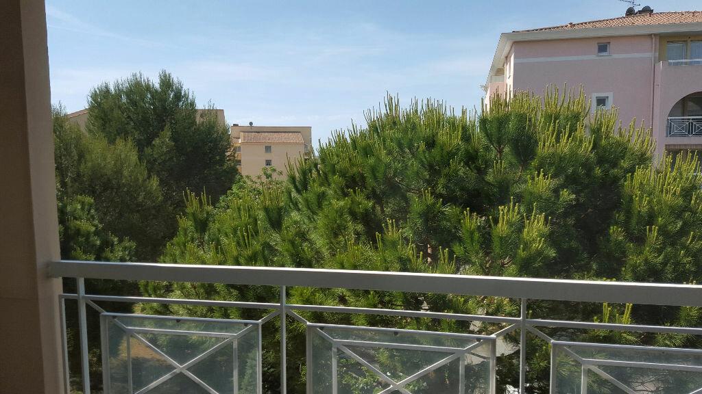 Location Appartement 3 pièces à Fréjus - vignette-3