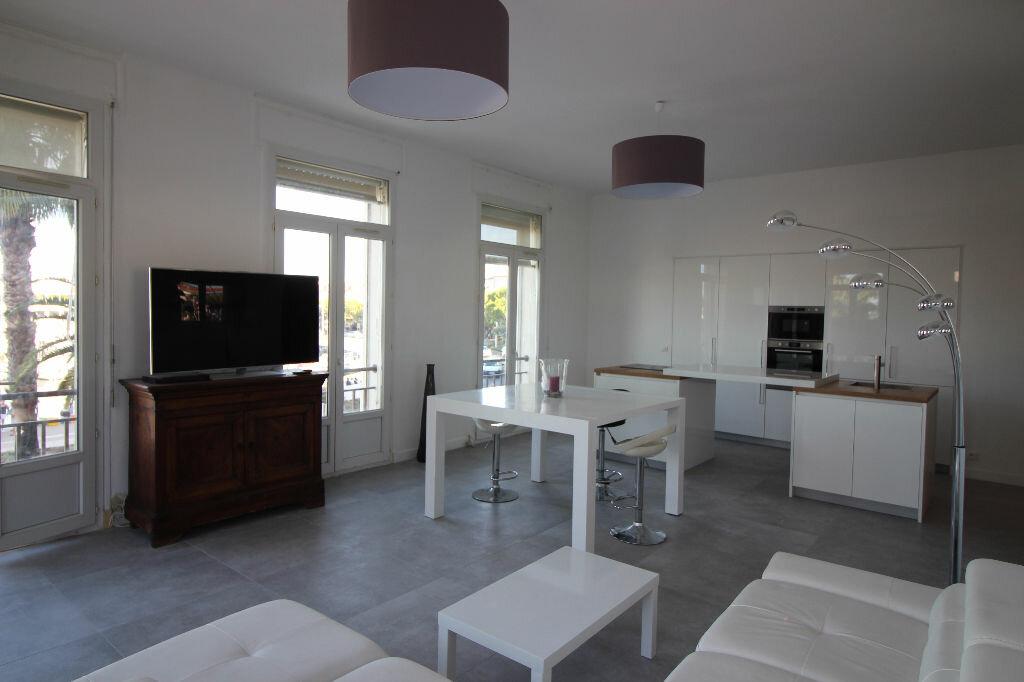 Achat Appartement 5 pièces à Saint-Raphaël - vignette-1