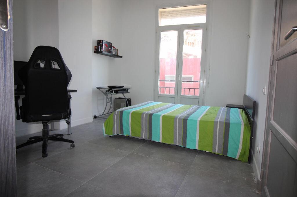 Achat Appartement 5 pièces à Saint-Raphaël - vignette-8