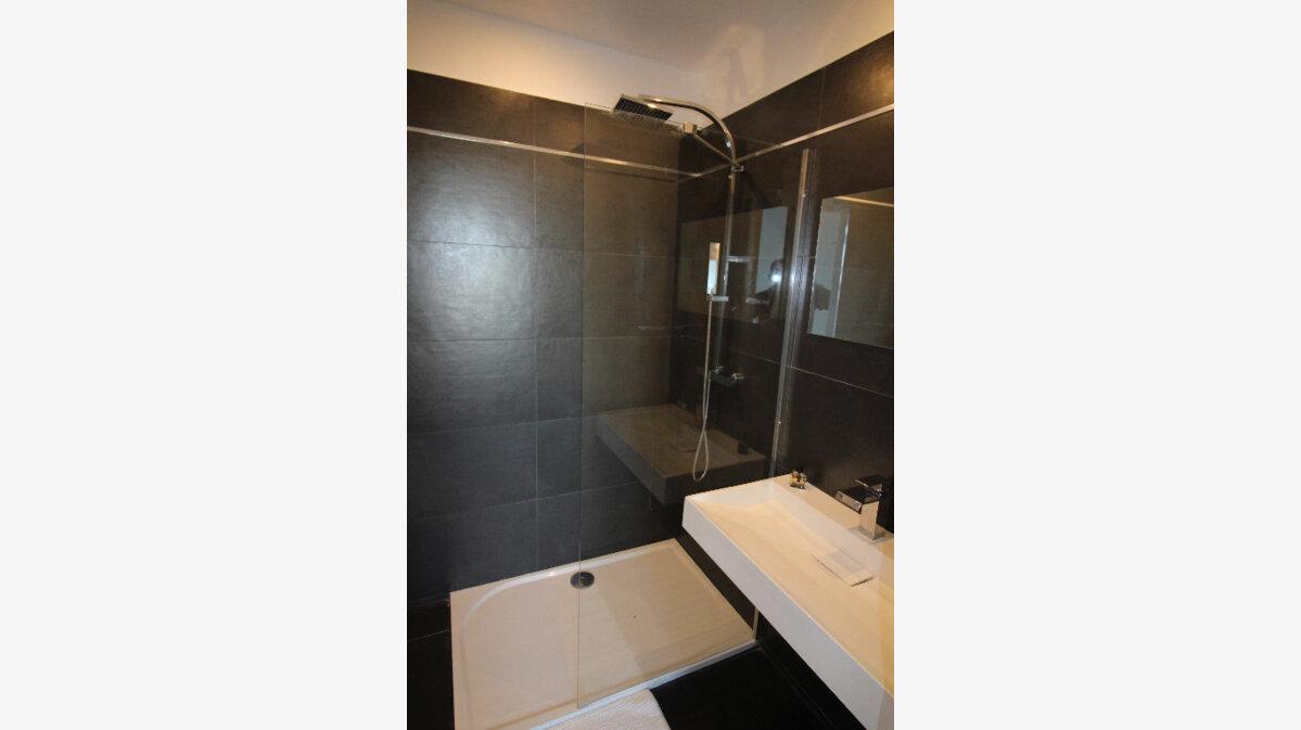 Achat Appartement 5 pièces à Saint-Raphaël - vignette-10