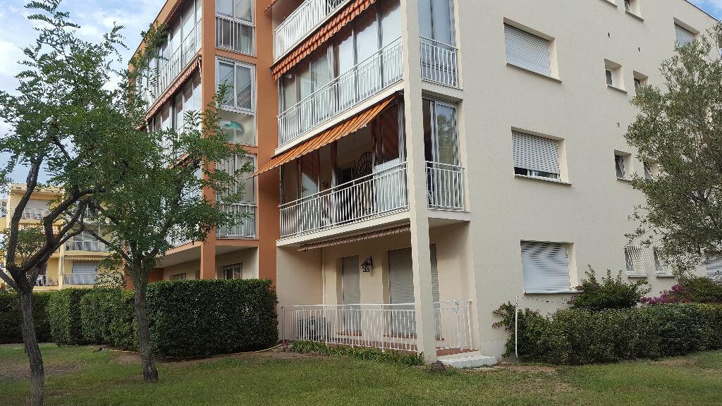 Achat Appartement 1 pièce à Fréjus - vignette-1