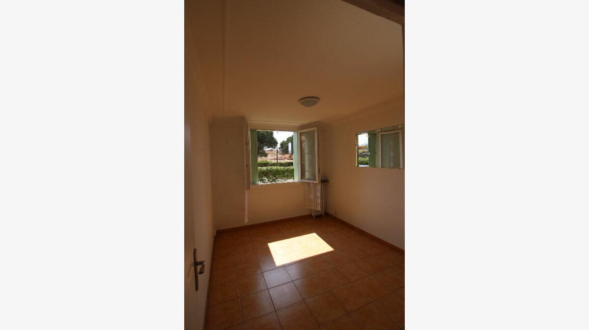 Achat Appartement 5 pièces à Fréjus - vignette-5