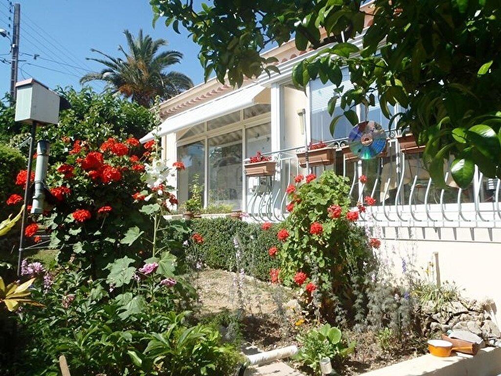 Achat Maison 4 pièces à Cagnes-sur-Mer - vignette-2