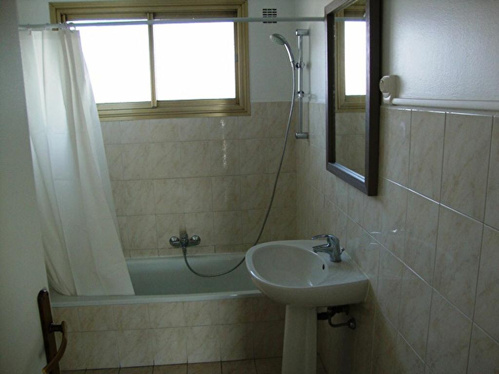 Location Appartement 1 pièce à Cagnes-sur-Mer - vignette-5