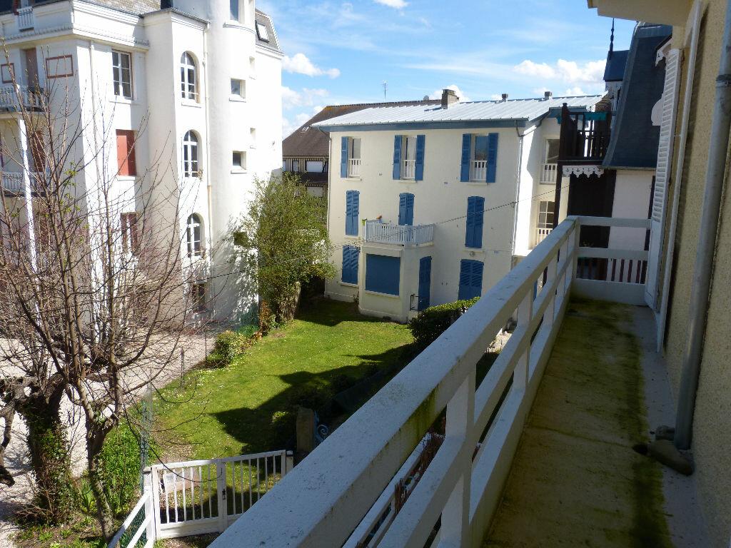Achat Appartement 4 pièces à Villers-sur-Mer - vignette-2